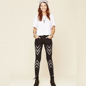 Free People Dotted Ikat Arrow Chevron Skinny 31
